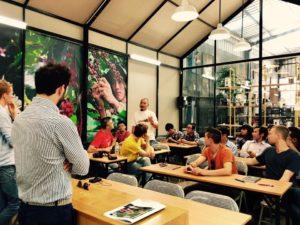 Tutti in aula a studiare per i corsi sul caffè verde...