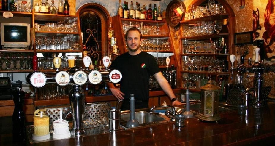 Aprire e gestire un pub o birreria modelli e target for Arredamenti per pub usati