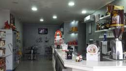 interno del bar rinnovato