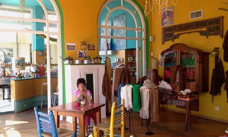 Il knit bar di Viareggio, per chi ama lavorare a maglia