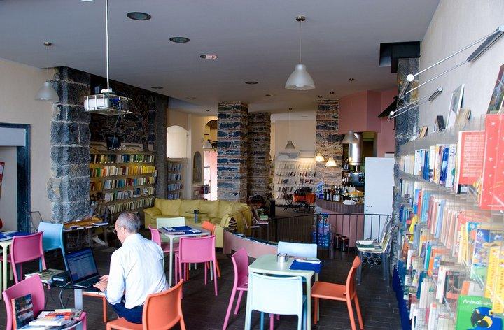 Caff letterari da visitare in giro per l italia aprire for Arredo bar lecce