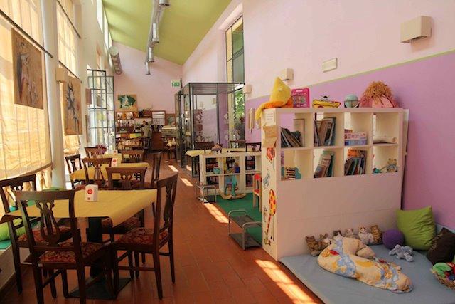 Come aprire un family bar i bar per mamme e bambini for Baby arredi