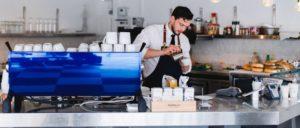 Per aprire una caffetteria di alto livello è necessario avere, più che esperienza, abilità, anche in latte art.