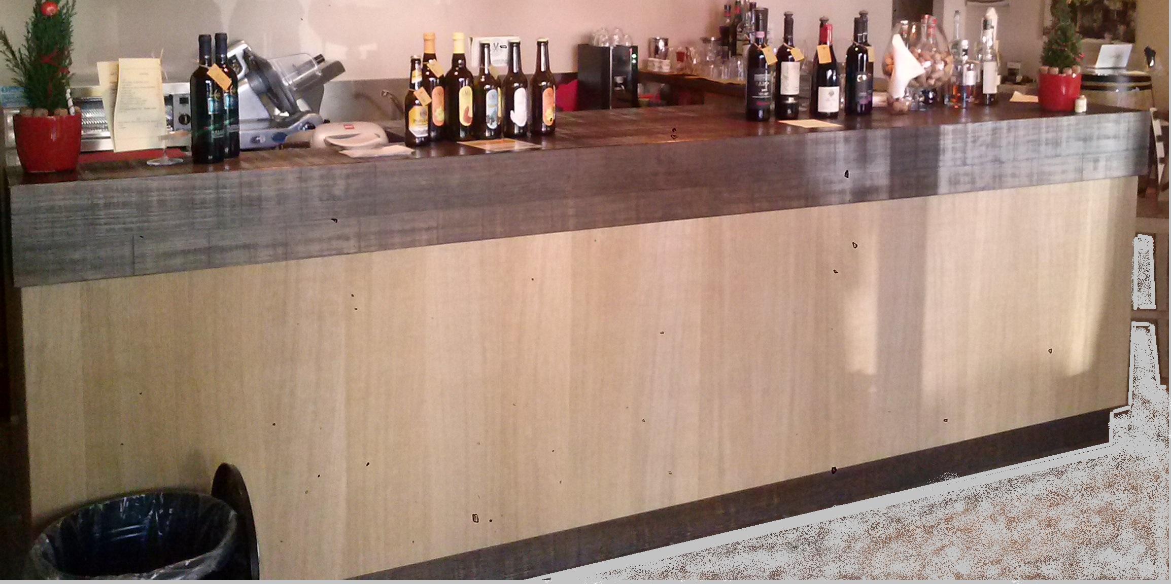 vendesi bancone bar usato con pedana e cella frigo