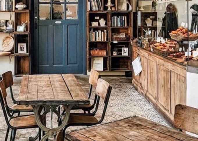 Ecco un esempio di come arredare una caffetteria cheap and chic!
