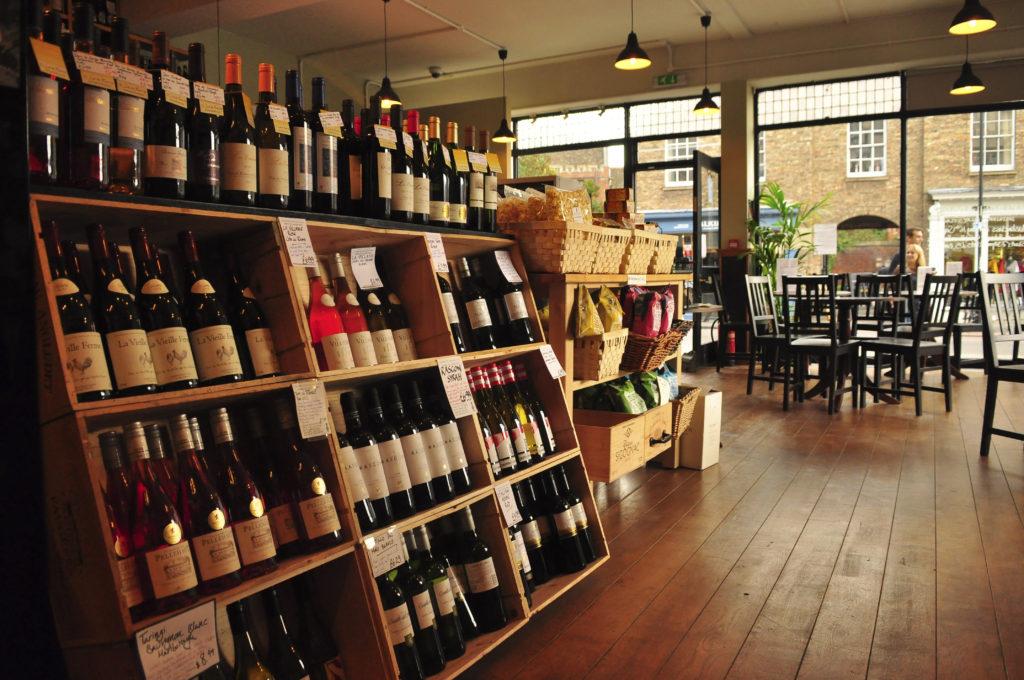 Aperitivo aprire un bar for Idee per aprire un negozio originale