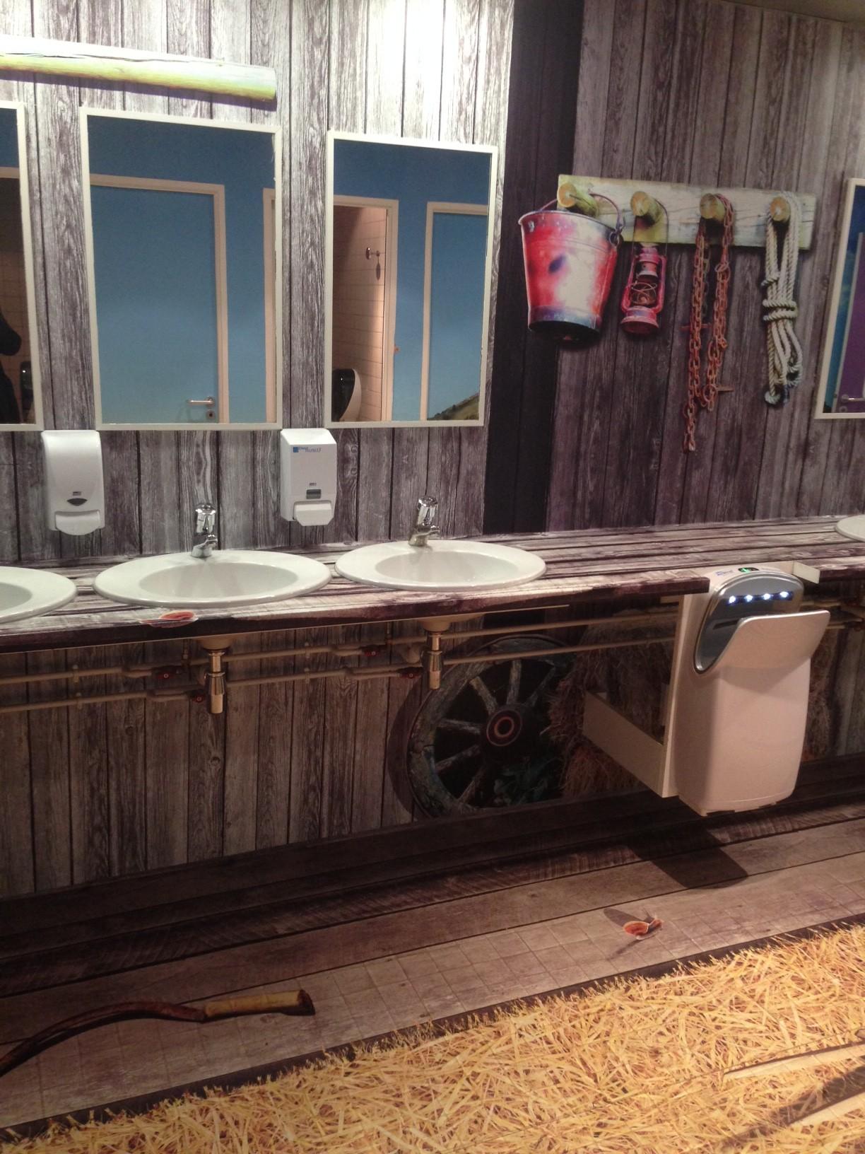 Il piccolo bagno nella prateria aprire un bar for Arredamento ristorante fallimenti