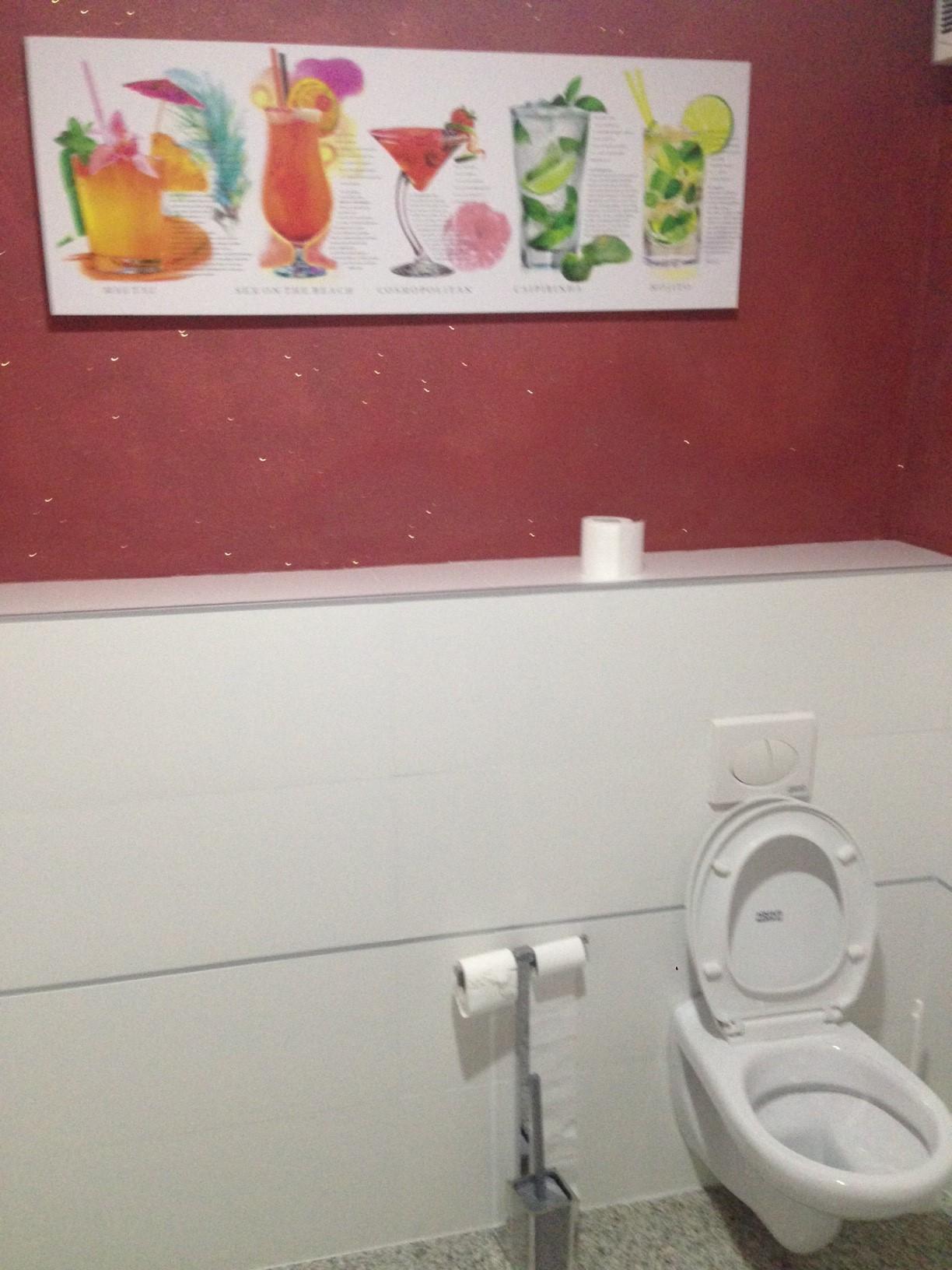 In bagno con i cocktail aprire un bar for Aprire le planimetrie con seminterrato