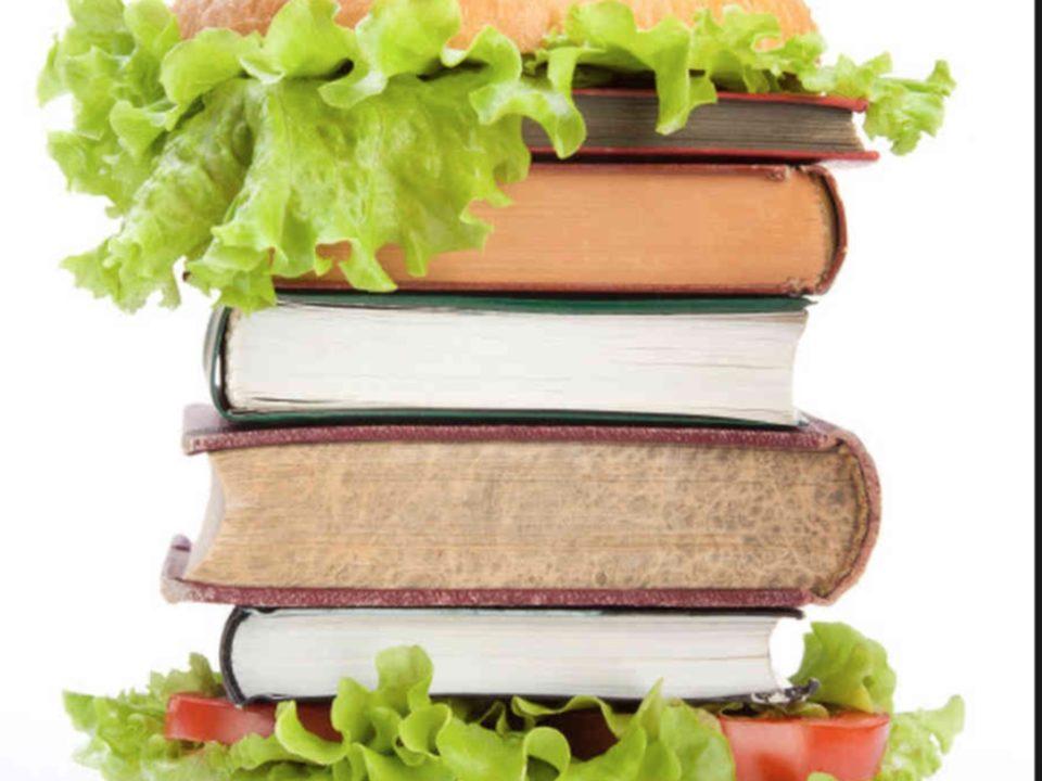Mangiarsi libri? E' quello che bisogna fare, quando cominciamo a pensare a come sarà il nostro locale!
