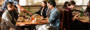Vediamo le normative su quanti posti a sedere in un bar o ristorante