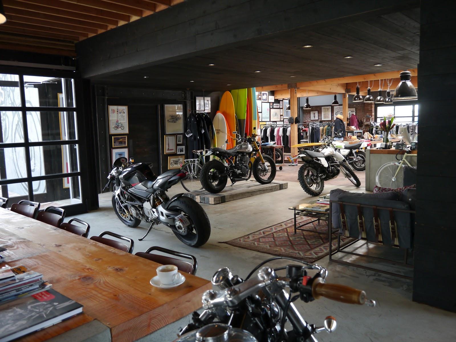 bike bar quando bar vuol dire unire due passioni italiane bici e caff aprire un bar. Black Bedroom Furniture Sets. Home Design Ideas