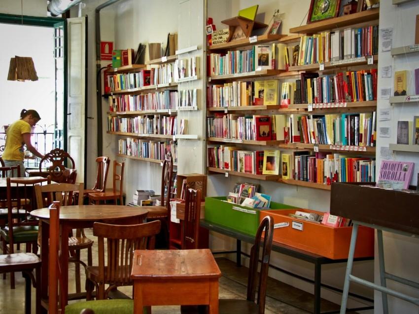 VIDEOPOST/ IL BAR LETTERARIO UBIK CAFE'
