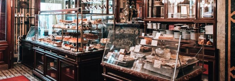 Aprire una caffetteria in Austria vuol dire entrare in un mercato molto classico (Il caffè è arrivato in Austria prima che in Italia) con una antica e prestigiosa pasticceria. Insomma, una vera sfida!