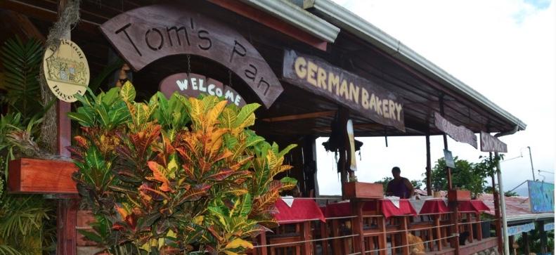 Aprire un ristorante italiano in Costarica? C'è anche chi apre una panetteria tedesca...