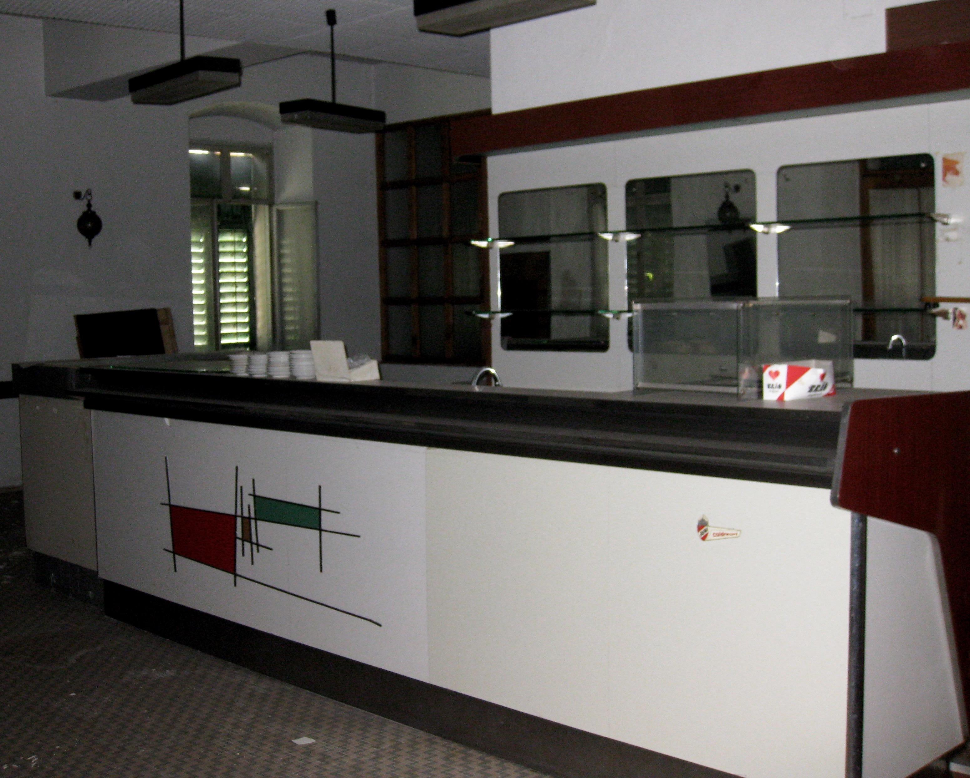 Vendesi bancone bar vintage degli anni 39 50 aprire un bar for Bancone bar inglese
