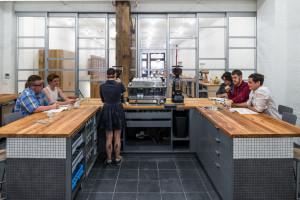 La supercaffetteria Counter Culture, bancone senza pedana.