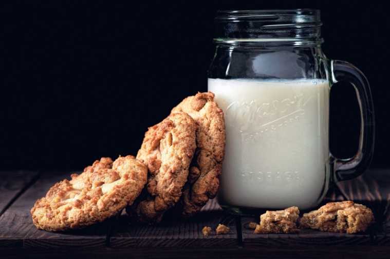 Cos'è un bar bianco? Un locale in cui il latte, e per estensione tutto ciò che è analcolico, diventa protagonista!