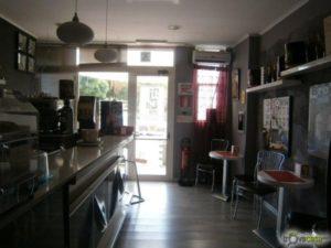 interno bar verso esterno