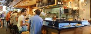 Un bar punto pranzo  a Barcellona...