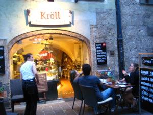 Nel centro storico, l'esterno del locale di Innsbruck
