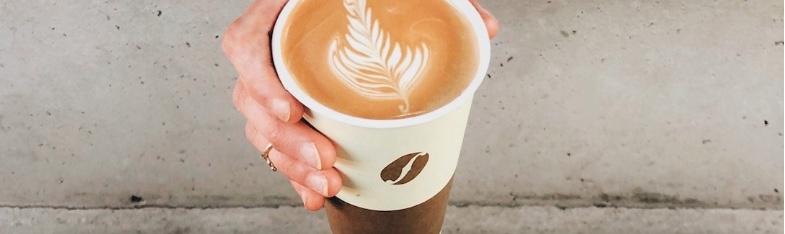 Il caffè da asporto per bar è diventato molto importante con il crescere del take away, scopriamo tutto su bicchieri e miscele più adatte