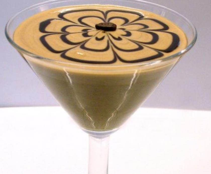 Una classica crema al caffè da bar. Piacevole, fresca e cremosa, ma che possiamo arricchire per distinguerci dalla concorrenza...