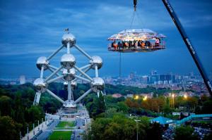 Dinner in the sky a Bruxelles, dove si trova la sede della compagnia.