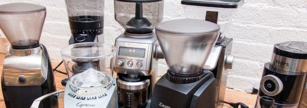 Un esempio di analisi da DVR: il macinacaffè è di tipo moderno e quindi non si possono mettere le mani dentro le macine? Si spegne automaticamente se si rimuove la campana?