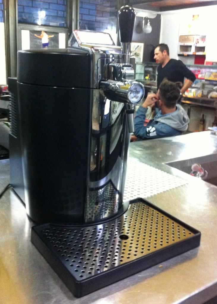 Il piccolo impianto di birra alla spina, perfetto per i bar con piccoli consumi.