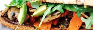 Cercate idee per menù di panini al bar? Dateci dentro con pesto e veggie burger!