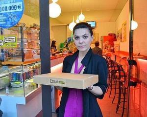 Il bar punto di ritiro per i pacchi. Immagine dal sito vivimilano.corriere.it