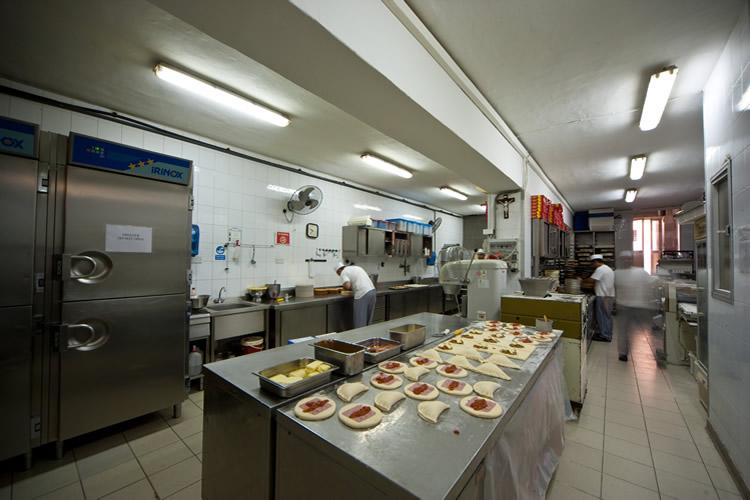 Organizzare una cucina per un bar aprire un bar for Aprire le planimetrie con una vista