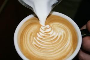 Meglio un cappuccino con o senza latte art?