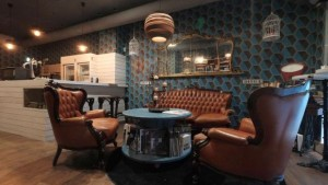 I curatissimi spazi del Sofartcafè