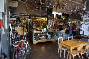 Il Look mum no hands di Londra, il vero bike bar!