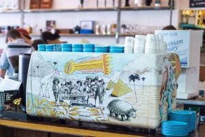"""La """"mexicana"""" macchina di Prufrock, una leggendaria caffetteria londinese."""