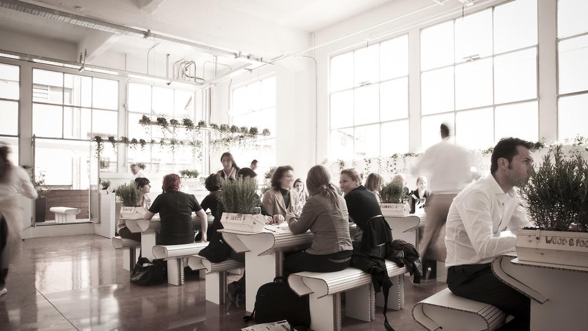 Bar Arredati Con Pallet arredare un bar o un ristorante con il cartone | aprire un bar