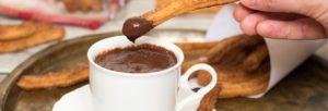 I churros con chocolate. Uno dei prodotti originali per la caffetteria al bar
