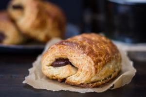 Il delizioso pain au chocolat. il classico della Francia...