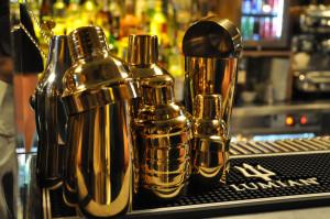 """Gli shaker """"gold"""" nuovi must nel mondo del cocktail"""
