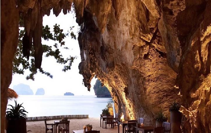 spiaggia caverna