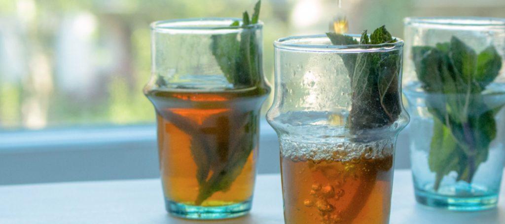 Per aprire un bar Italiano in Marocco dovremo pensare anche se offrire il classico tè alla menta locale...