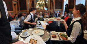 La produttività di un bar italiano può essere paragonata a quella di Starbucks?