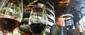 Vediamo idee per aumentare gli incassi di un wine bar...